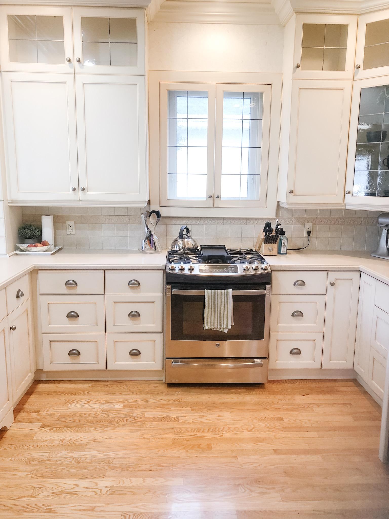 Custom off-white kitchen by interior designer based in Windsor